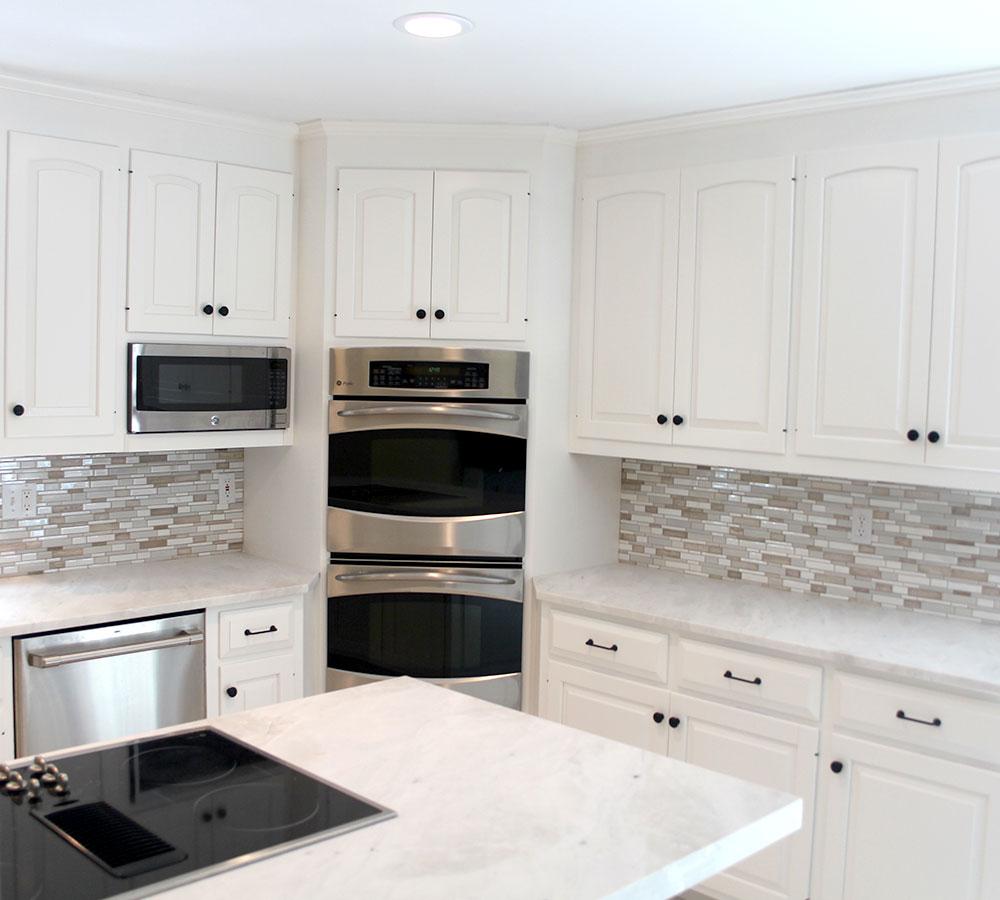 Kitchen Cabinet Refacing White Back Splash