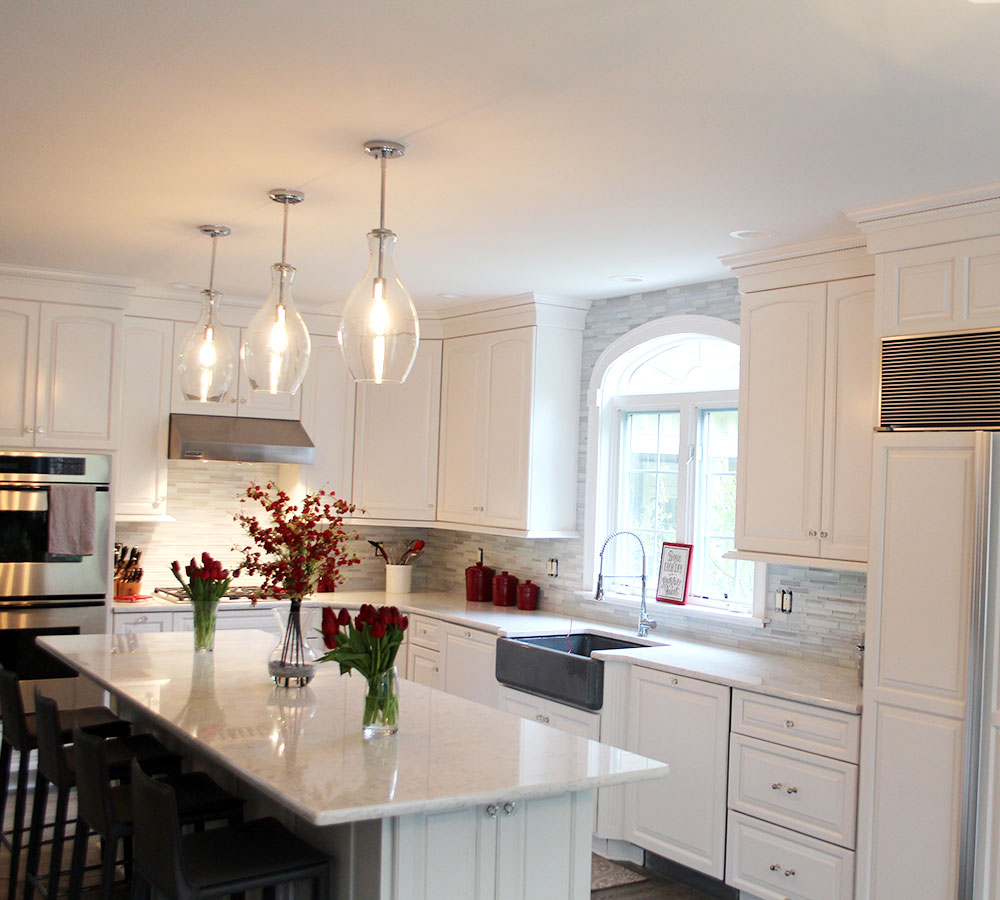Fine Finish White Tinted Lacquer Cabinets